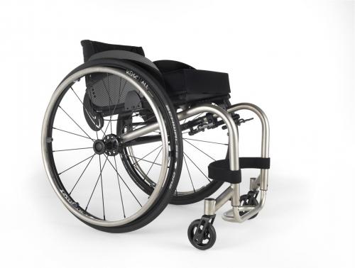 Ultra laka aktivna mehanička invalidska kolica