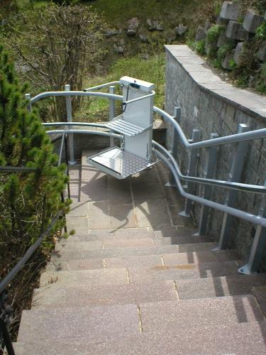 Platforma za stepeniste sa krivinama Omega