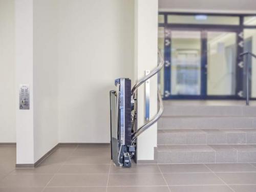Platforma za stepeniste sa krivinama Stratos